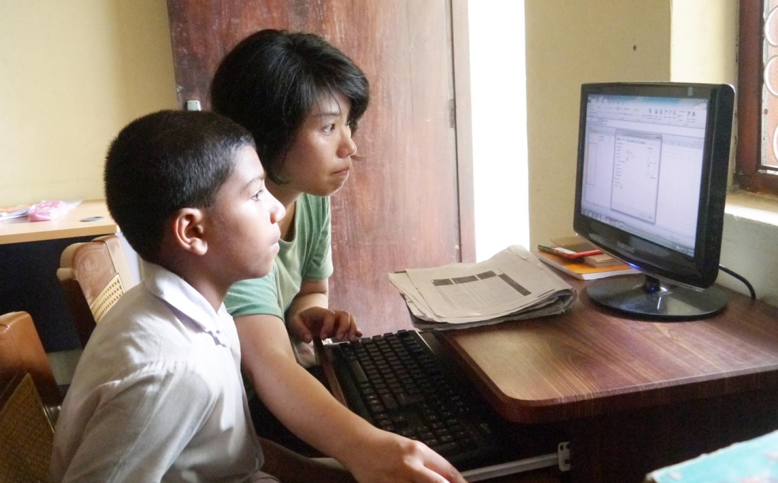 スリランカでIT教育に取り組む日本人ボランティア